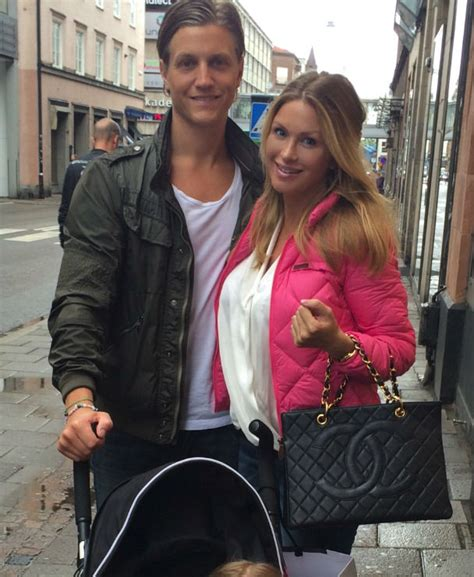 DOING MALMÖ CITY - Another Day With Carolina Gynning