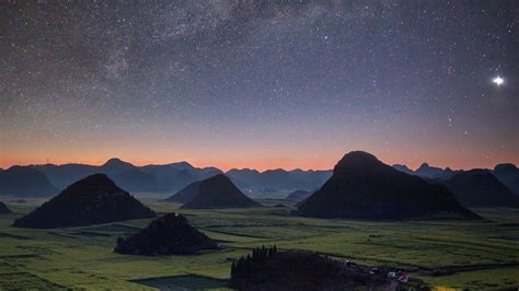 starry night, Plains, Hill Wallpapers HD / Desktop and