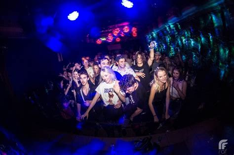 Best of Prague Nightlife - How to Party in Prague at Night