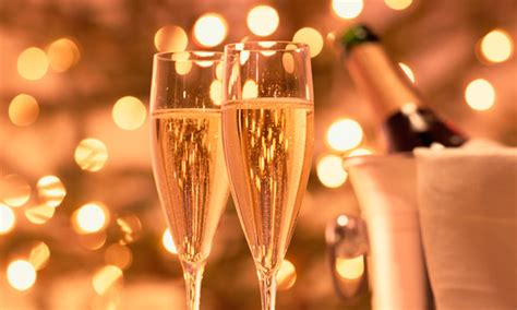 Prosecco sales grow as fizz goes out of champagne market