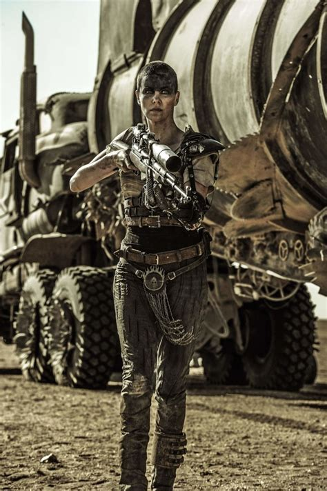 Feature, Review: Mad Max: Fury Road - Girls With Guns